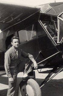 Don Robert (in trainer, WW 2)